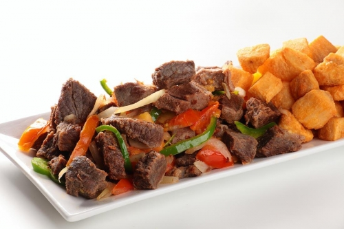 O melhor buffet da cidade está de volta no Barato Coletivo! Buffet Nordestino livre para 1 pessoa no Restaurante Mucuripe, do Hotel Gran Marquise por R$35