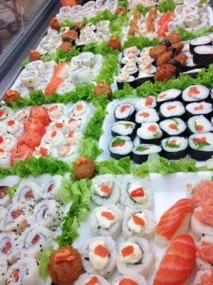 Naru Sushi - Combinado de 15 peças de sushi - fortaleza