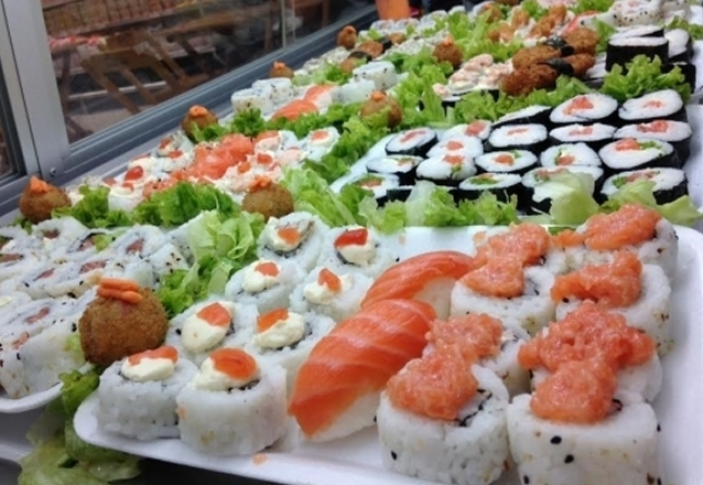 Naru Sushi - Combinado com 15 peças de sushi - fortaleza