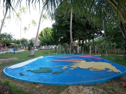 2 Ingressos de entrada com acesso ao Parque Aquático e Trilha Ecológica + Almoço para 2 pessoas de R$129 por R$65