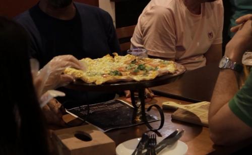 A melhor pizza está de volta no Barato Coletivo! Pizza grande Doce ou Salgada de até R$41,90 por R$24,90 na Budega Cariri