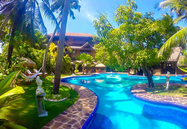 2 diárias com check-in de Domingo a Quarta em Suíte Luxo com piscina no quarto para 2 pessoas com café da manhã a partir de R$999 no Dayo Hotel