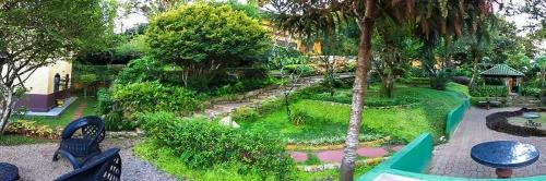 RELÂMPAGO! 2 diárias em Apartamento Básico para 2 pessoas + café da manhã de R$500 por R$299