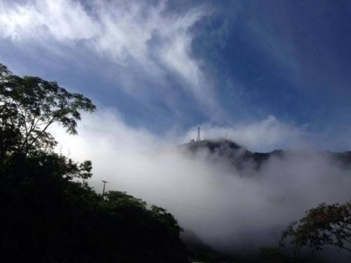 O friozinho da serra te espera! 2 diárias para 2 pessoas e 1 criança + café da manhã por R$179 na Pousada Caminho das Cachoeiras