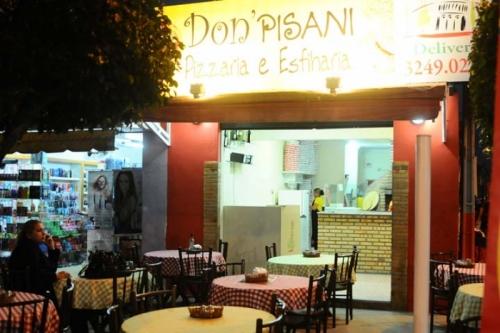 É festa no Barato Coletivo e não pode faltar pizza na comemoração! 01 Pizza de 4 Fatias de R$20 por apenas R$11,90 na Don Pisani