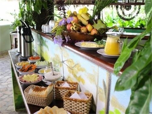 Sua folga será perfeita na Pousada Águas Belas Paraíso! 2 diárias para casal e 1 criança de até 6 anos + café da manhã por R$299,90