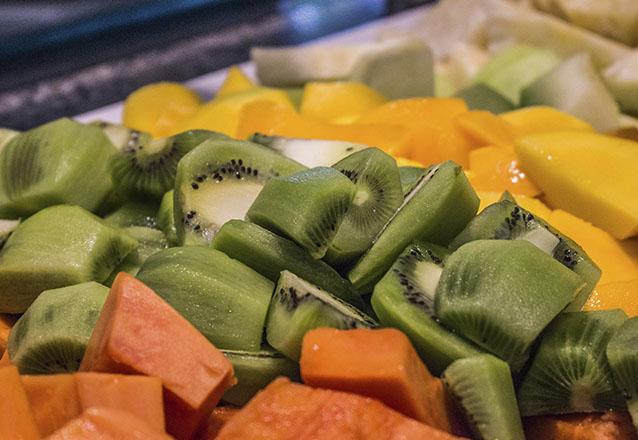 O melhor almoço! Buffet Almoço Completo + Buffet de sobremesas + Refrigerante e Água a vontade para 01 pessoa por apenas R$38,90 no Divina Comida