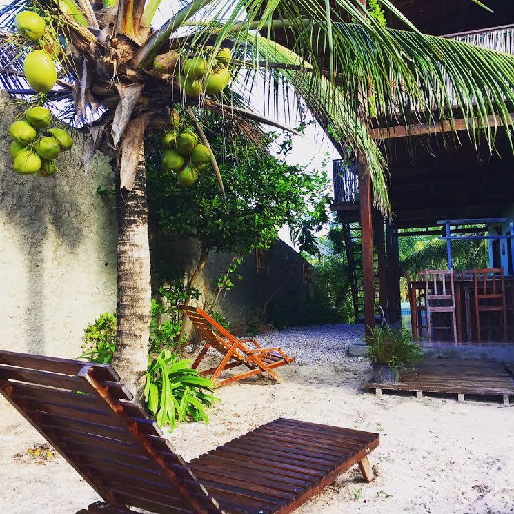 2 noites (quarto com ventilador, varanda e frigobar) para 2 pessoas e 1 criança de até 7 anos + café da manhã por R$330
