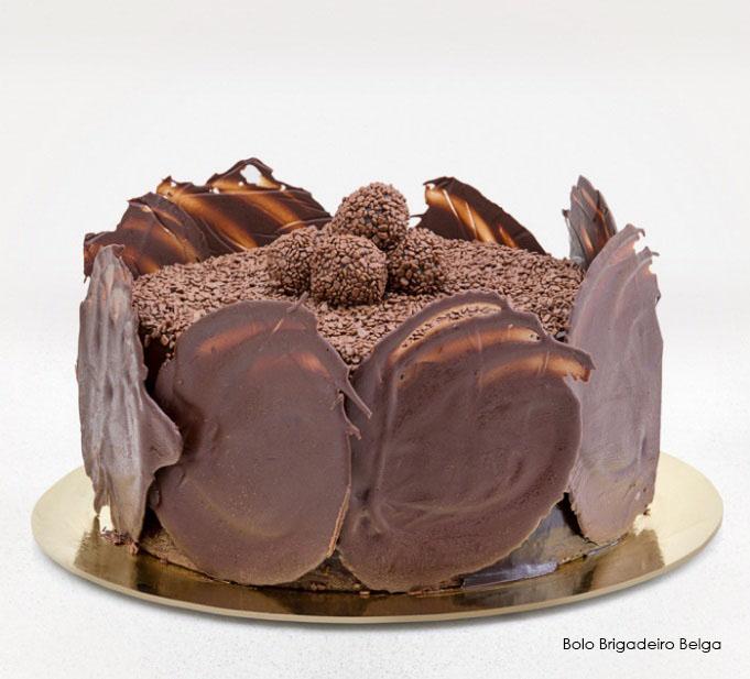 01 Torta Brownie (recheada com o delicioso chocolate belga, ideal para os apreciadores do famoso Brownie), serve de 25 a 30 pessoas de R$165 por apenas R$79,90.