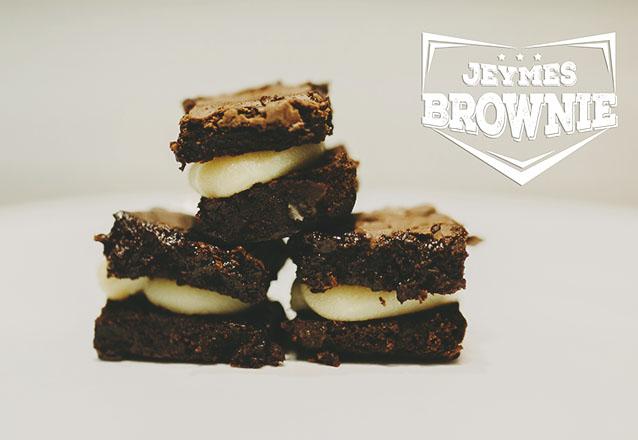 50 mini brownies sem recheio (3cm x 3cm) de R$75 por R$59,90