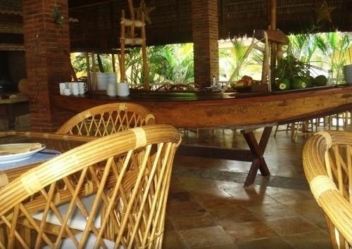 Precisando descansar? O Bouganville Hotel oferece todo o conforto que você merece! 2 diárias para casal e 1 criança + café da manhã por apenas R$399