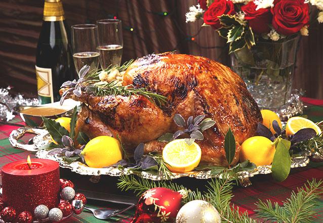 Sua ceia será inesquecível! Ceia de Natal do Camarão da Varjota para 10 pessoas com Pernil, Salpicão, Salada, Arroz, Farofa e Sobremesa por R$449