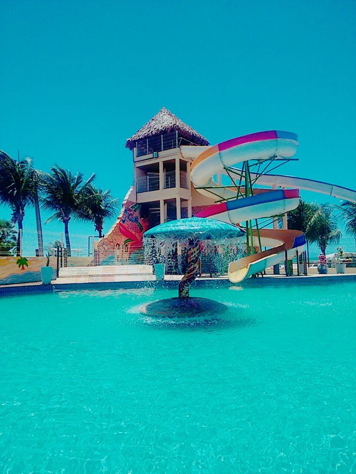 2 Passaportes para o Parque Aquático + Linguiça Calabresa e Batata Frita de R$138,00 por R$79,90