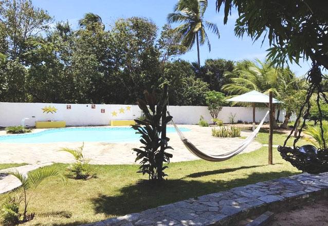 Tibau do Sul e sua belezas te esperam! 2 diárias em chalé para 2 pessoas + café da manhã por apenas R$298 no Chalé das Estrelas