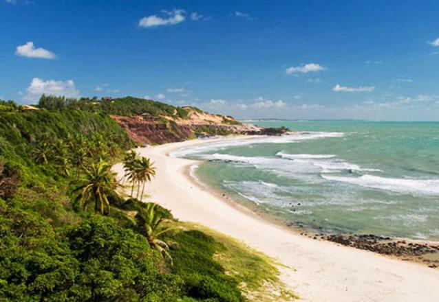Uma das 10 mais bonitas praias do Brasil! Passeio para a Praia de Pipa para 01 pessoa com a Natal Vans de R$89 por apenas R$49,90