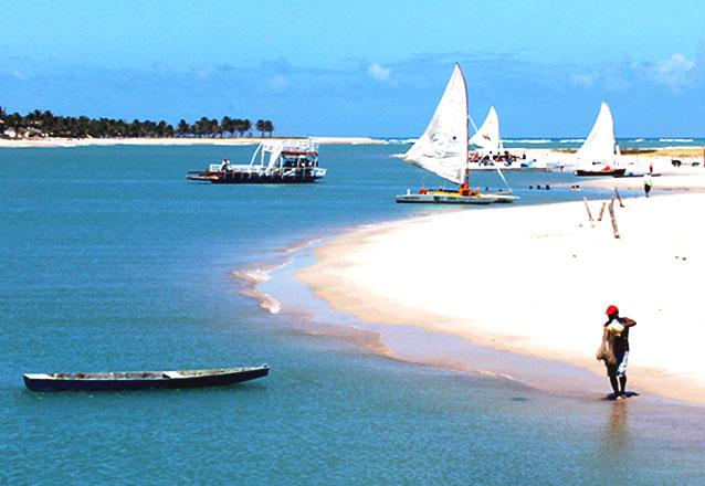 Conhecida pela tranquilidade e belezas naturais! Passeio pela Barra de Cunhaú e Baía Formosa para 01 pessoa por R$65,90 com a Natal Vans