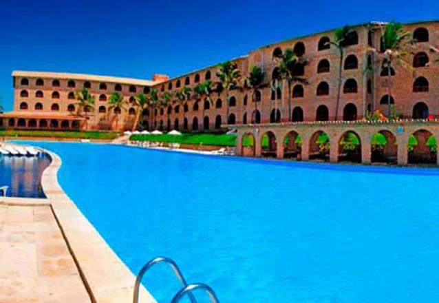 Coliseum Beach Resort  com All Inclusive! 2 diárias para 2 pessoas e 1 criança em Apartamento Superior de 48m² com Varanda Vista Mar a partir de R$1.099 em até 4x sem Juros!