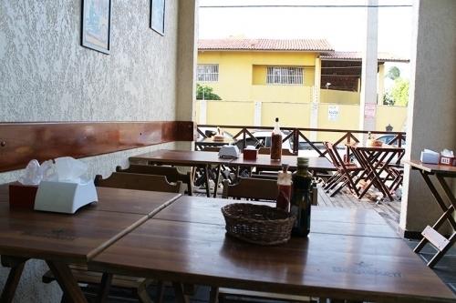 Quem conhece ama o Cantinho do Frango Sul! Tulipa de frango + Frango Desossado + Baião Africano + Farofa de Ovos + Batata Frita para 4 pessoas por R$66,50