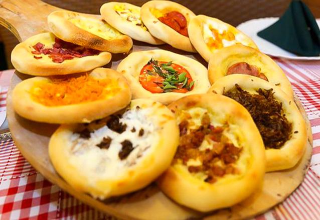 Relâmpago: Rodízio Completo de Massas, Pizzas e Esfihas para 1 pessoa por apenas R$25,90 - 100 primeiros cupons