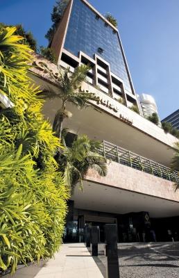 Um buffet completo bem à Beira Mar! Buffet Nordestino livre para 1 pessoa no Restaurante Mucuripe, do Hotel Gran Marquise de R$70 por R$42