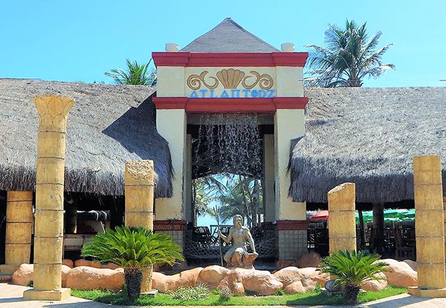 Segunda a sexta: Carne de Sol Atlantidz + 2 Caipirinhas de limão + 2 Pulseiras de acesso ao parque aquático de R$121,70 por R$74,90