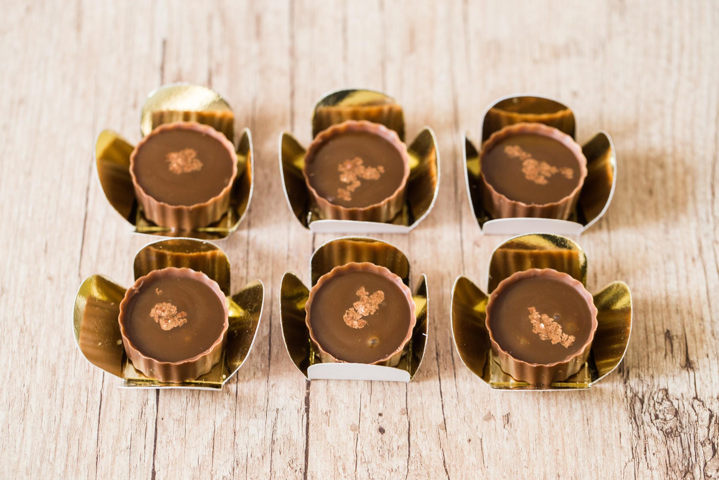 O casamento dos sonhos combina com os chocolates da premiada Sucré! Pacote com 250 Chocolates ao leite, cookies, brownie, nutella e caramelo por R$348,50. Eleita a melhor doceria de 2018/19 pela Veja Comer e Beber Fortaleza!