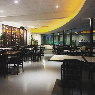Já tem planos para o seu almoço de hoje? Almoço Executivo (Carne, Peixe ou Frango + 2 acompanhamentos) no Faustino Fortaleza por R$18,99
