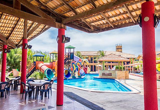 Um final de semana inteirinho em Parajuru e no melhor hotel! 2 diárias para 2 adultos e 1 criança + café da manhã por R$339