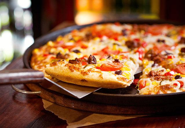 O rodízio mais completo da cidade! Rodízio de massas, pizzas e sobremesas no jantar para 1 pessoa por apenas R$24,90