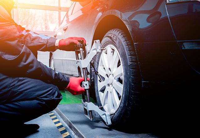 Alinhamento Digital + 4 Balanceamentos de rodas + Revisão de 12 itens para carro pequeno de R$79,90 por R$24,90