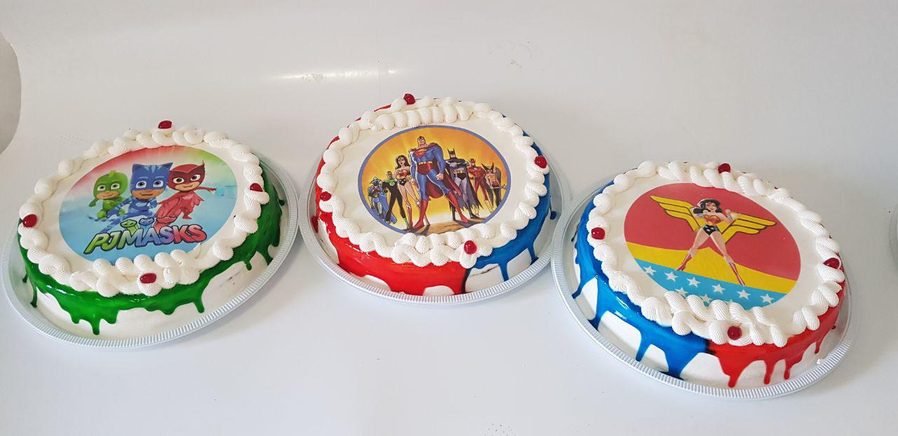 Quando tem Delícia Doces e Salgados, a festa é sucesso! Bolo personalizado para 40 pessoas + 200 Salgados + 100 Mini Pizzas + 100 Mini Churros + 50 Mini Dogs por R$99,90