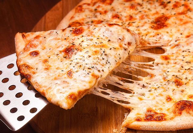 Todos os sabores que você gosta estão no rodízio do Divina Comida! Rodízio de Pizzas Salgadas e Doces para 1 pessoa por apenas R$19,90