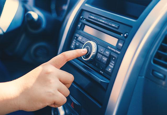 Auto radio Kx3 ou Hurricane de R$260 por R$199