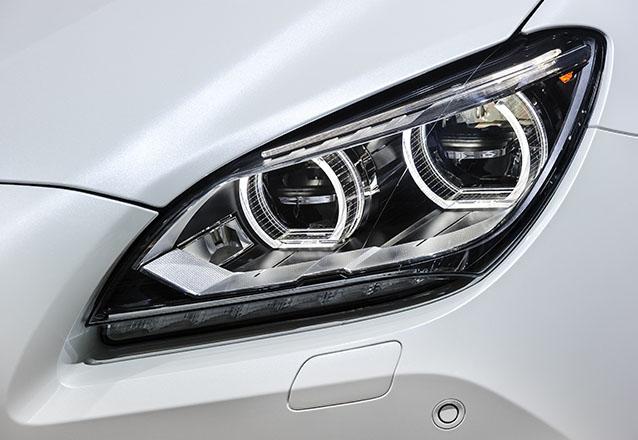 Os melhores acessórios para o seu carro! Super LED TOP na cor branca 6000k com 4500 lumens + Garantia de 1 ano por R$349 no OPelicano - Shopping Rio Mar