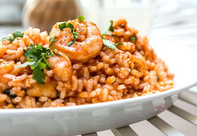 Risoto de Camarão (arroz de camarão com molho branco e verduras) para 3 pessoas por R$29,90