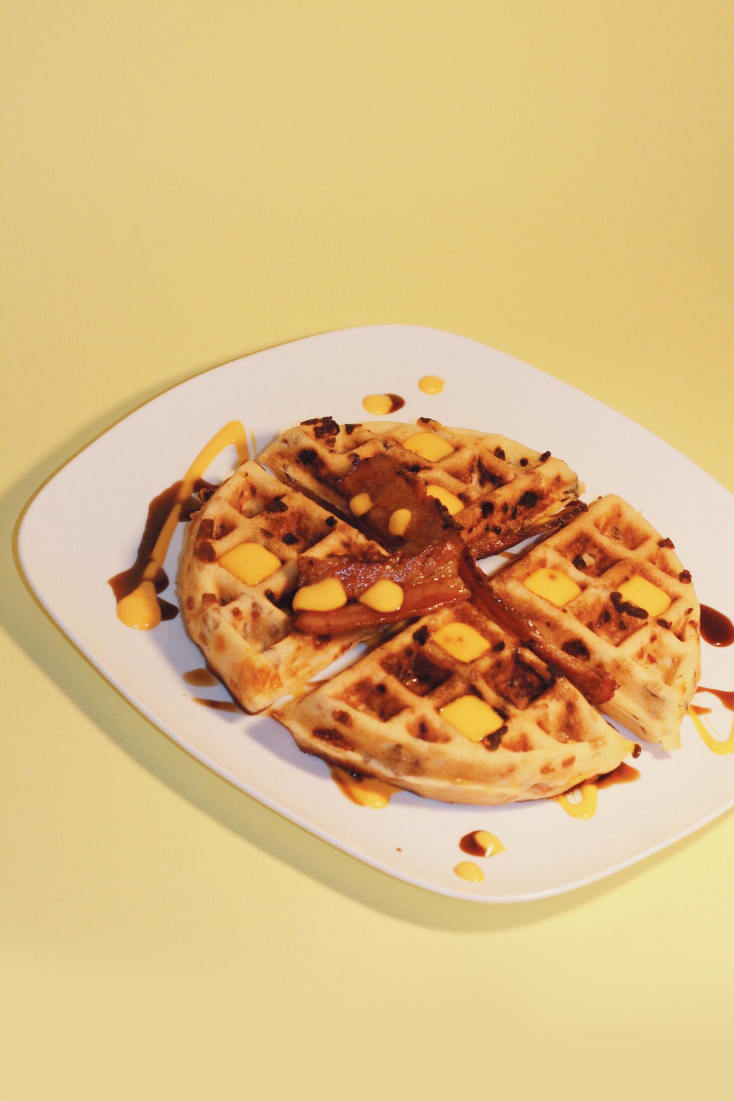 Já provou? Apaixone-se pela Mama Waffle! Waffles Salgados (até 9 sabores) de R$25 por apenas R$19,90