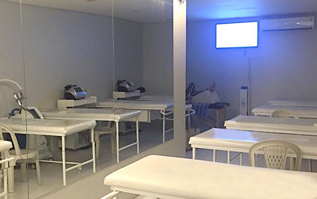 O tratamento perfeito da Fisio Esthetic! Limpeza de pele profunda + Peeling de diamante + Drenagem facial + Máscara + Fototerapia LED (1h30) + Massagem corporal (1h) por R$99,99