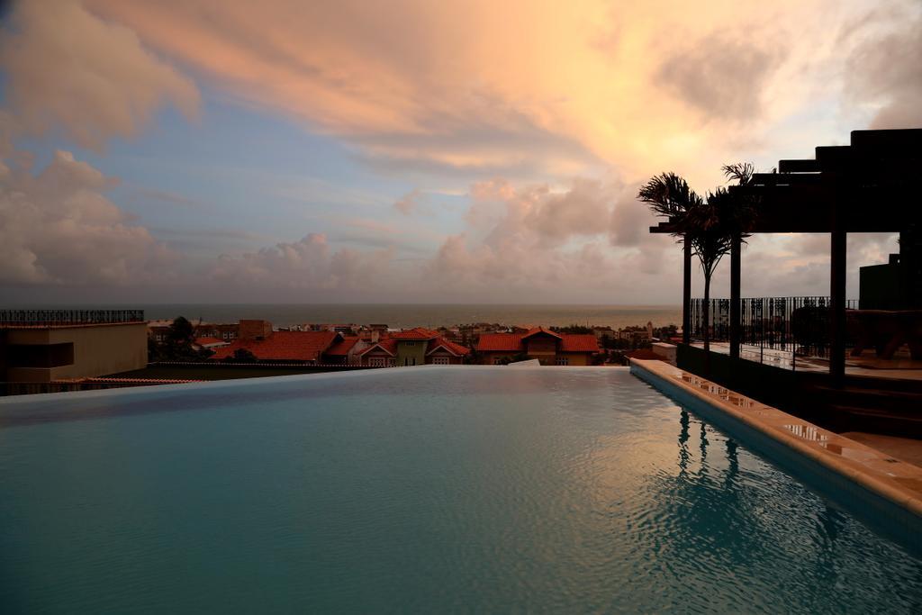Hospedagem Combo Relaxante Day Spa com 1 diária em apartamento duplo standard para 2 adultos + café da manhã + Vivência Relaxante por R$513