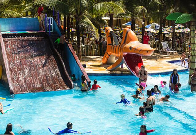 Chico do Caranguejo Praia completo para você e sua família! Tilápia Completa para até 2 pessoas + 2 Passaportes para o AcquaChico por R$79,90. Use até Sábado!