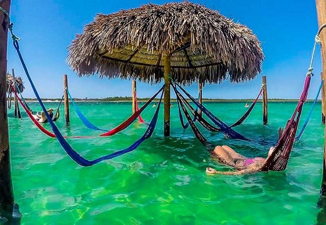Só praia bonita! Passeio para Jericoacoara + Passeio para 3 praias em 1 dia (Morro Branco, Praia das Fontes e Canoa Quebrada) para 1 pessoa por R$159,90