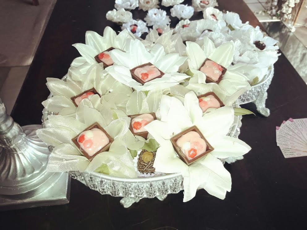 Caixetas florais para doces e chocolates para 50 unidades de R$50 por R$39,90