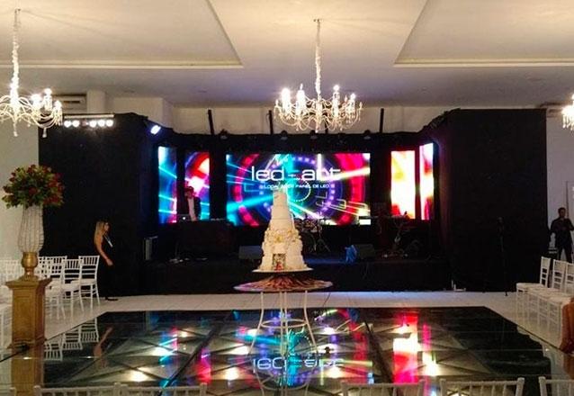 Sua festa com a tecnologia da Led e Art! Painel P3 Full HD 4x2m + Estrutura de Gride + 01 Operador por apenas R$1.800