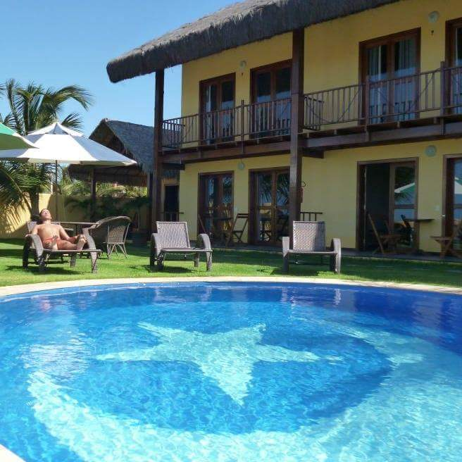 2 diárias para 2 adultos e 1 criança de até 6 anos em Chalé com 2 quartos, varanda, sala, cozinha e garagem por R$349