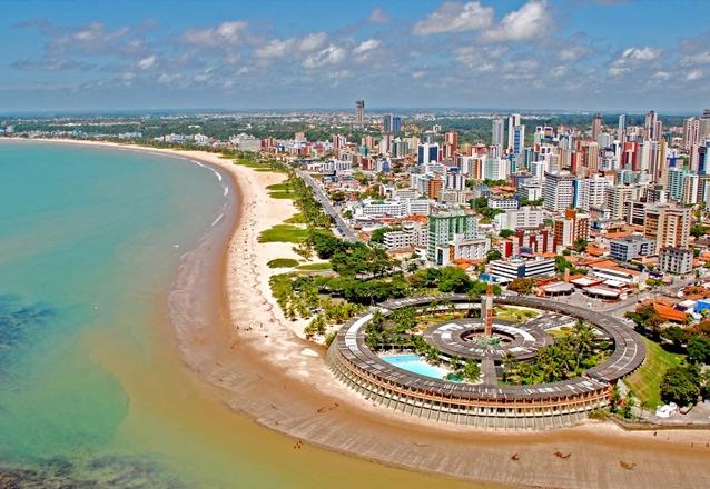 Você merece viajar! Transporte ida e volta + Hospedagem para casal e 01 criança + café da manhã + City tour em João Pessoa por apenas R$199,90