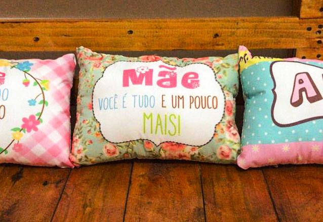 Presentes criativos! Almofada, Caneca ou Azulejo (15x15cm) personalizados de até R$34 por apenas R$18,90 na MG Brindes