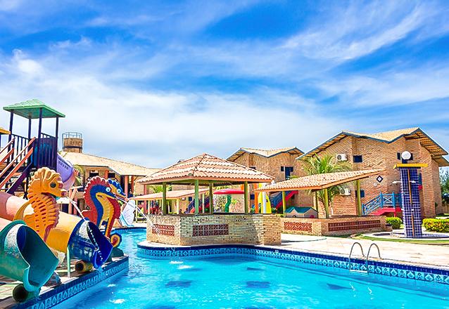 Parajuru te espera! 2 diárias em apartamento para 2 adultos e 1 criança de até 12 anos + café da manhã por R$359 no Praia Hotel