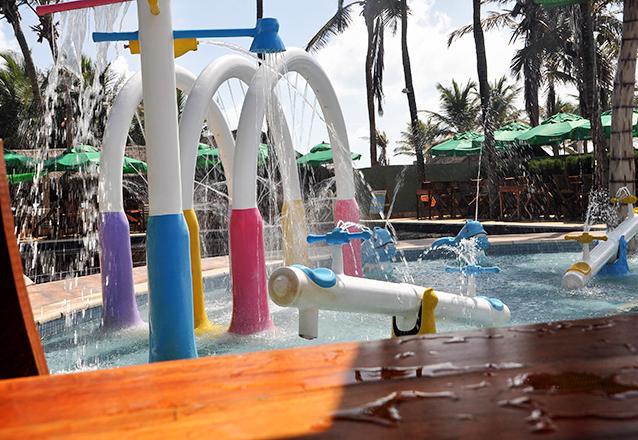 Kit Ecortuminha perfeito para a criançada! 2 Pulseiras para o Parque Aquático da Barraca Atlantidz Praia do Futuro + 1 Livrão de atividades + 01 Jogo taboleiro + 01 DVD por R$19,90. Válido para todos os dias e feriados!