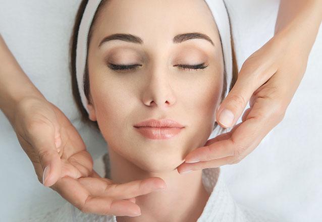 Higienização Facial + Peeling de Hortelã + Máscara + Protetor de R$90 por R$19,99