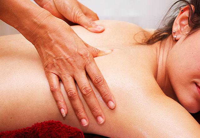 Cuidados para a pele do rosto e corpo! Massagem Relaxante ou Drenagem linfática + Higienização facial de R$90 por apenas R$29,99 na Geyza Estética