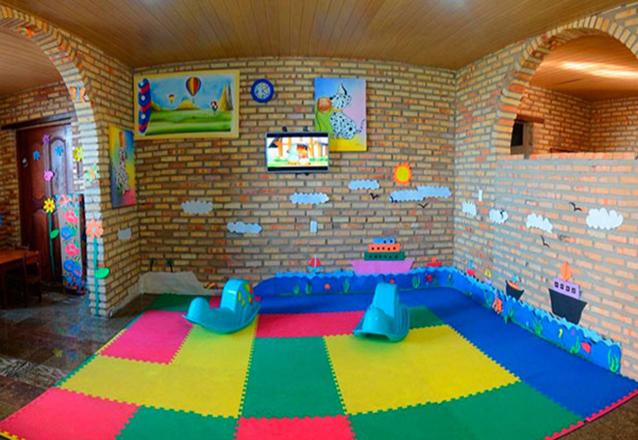 2 diárias (de domingo a quarta) com All Inclusive na Suite Superior para 2 adultos e 2 crianças de até 10 anos de R$1.714 por R$1.166 em até 6x sem juros
